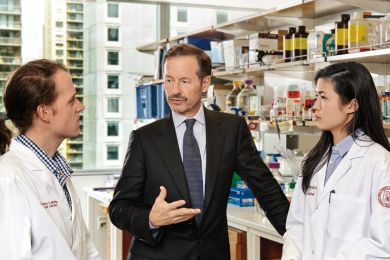 Dr Lewis Cantley in his lab at the Meyer Cancer Center of Weill Cornell Medicine