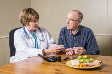 Nutritionist and patient photo
